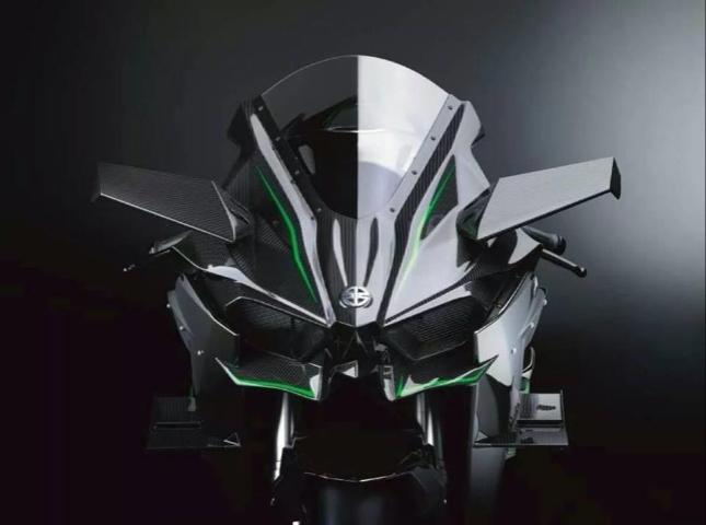 wpid-kawasaki-ninja-h2-carbon-race_20141014_163223.jpg