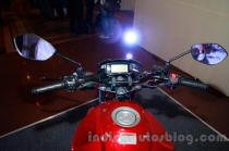 wpid-suzuki-gixxer-handlebar-at-the-indian-launch-setang-stang.jpg.jpeg