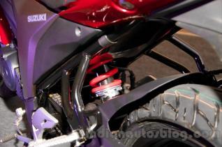 wpid-suzuki-gixxer-rear-suspension-at-the-indian-launch-shock-belakang.jpg.jpeg