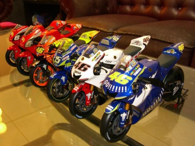 jual miniatur motor motogp valentino rossi 46 yamaha honda ducati